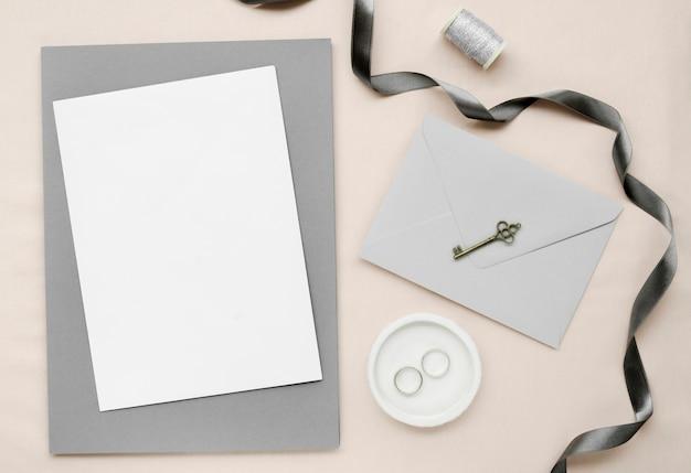 Flaches, elegantes hochzeitsbriefpapier