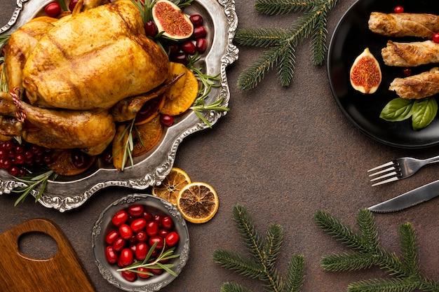Flaches festliches weihnachtsnahrungsmittelsortiment mit kopienraum