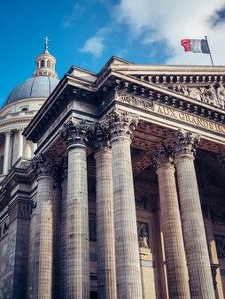 Flachwinkelaufnahme des pantheon, paris, frankreich
