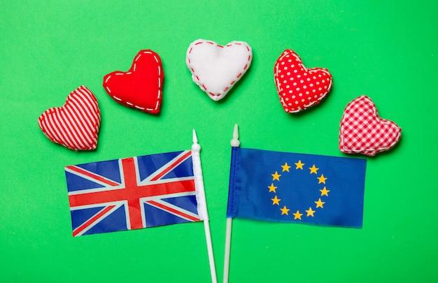 Flagge der europäischen union und des vereinigten königreichs