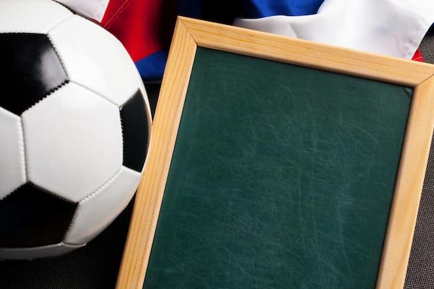 Flagge russlands mit fußball