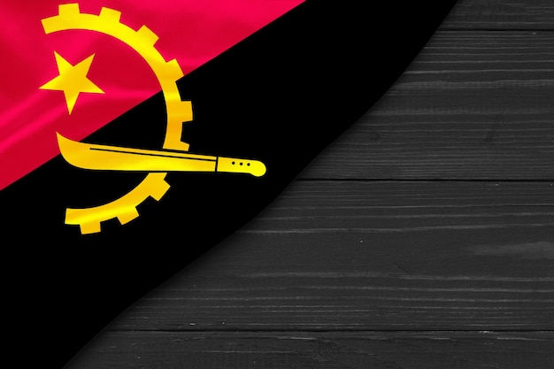 Flagge von angola kopierraum