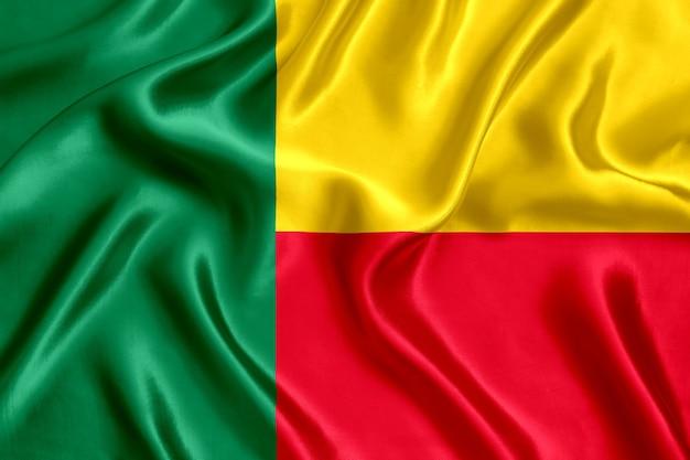 Flagge von benin seide nahaufnahme hintergrund