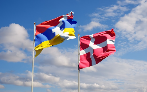 Flaggen von dänemark und artsakh