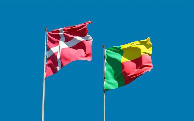Flaggen von dänemark und benin.