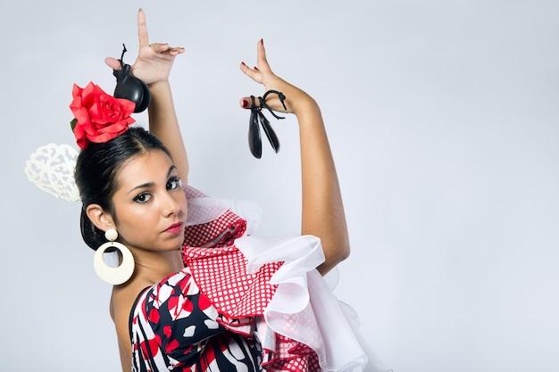 Flamenco-tänzerin in schönem kleid