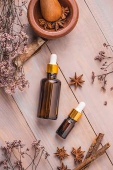 Flasche ätherisches aromaöl oder spa und natürliches duftöl