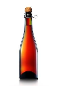 Flasche bier, apfelwein oder champagner mit beschneidungspfad isoliert auf weißem hintergrund