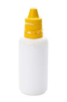 Flasche mit dem spray getrennt auf weiß