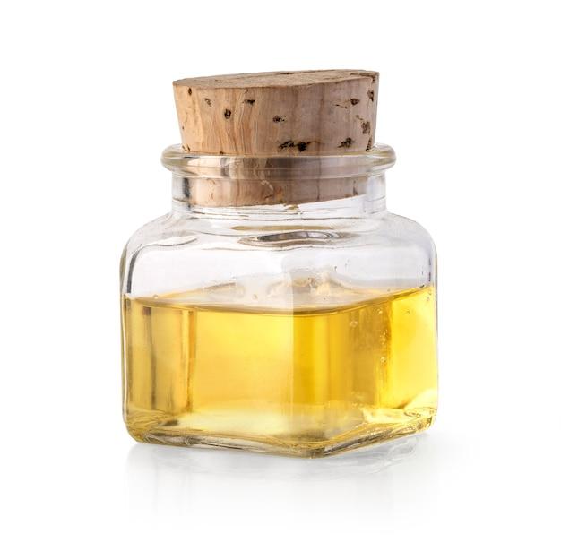 Flasche olivenöl oder essig isoliert auf weiss mit beschneidungspfad