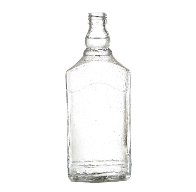 Flasche silbertequila lokalisiert auf weiß