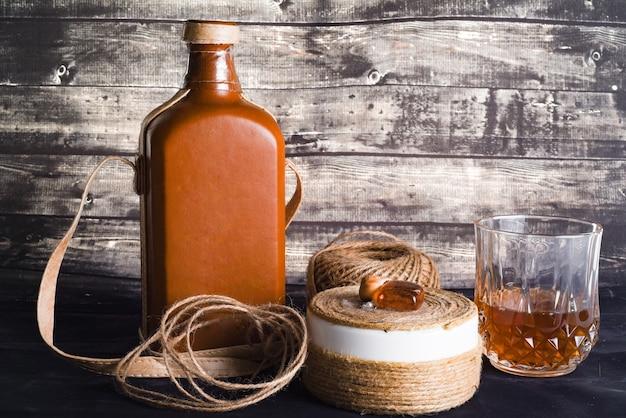 Flasche und glas whisky