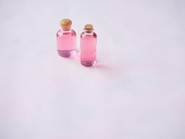 Flaschen ätherisches rosenöl