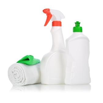 Flaschen und handtuch