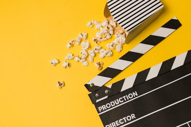 Flat lay film slate mit kopierraum