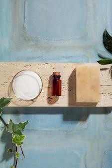 Flat lay natürliche selbstpflegeprodukte anordnung