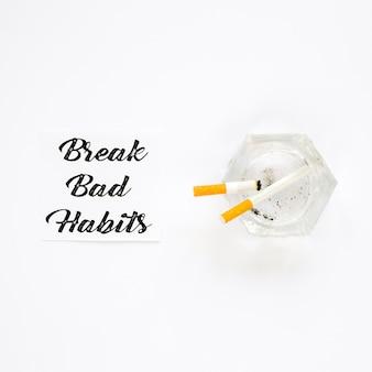 Flat lay of break schlechte angewohnheit konzept