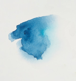 Fleck von hellblauem pigment