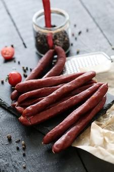 Fleisch mit tomaten und gewürzen