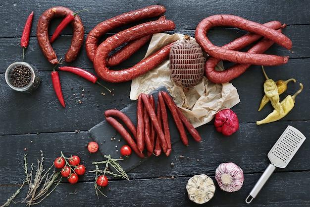 Fleisch mit tomaten und thymian
