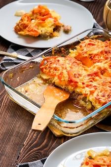 Fleisch- und kartoffelauflauf