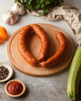 Fleisch- und wurstspezialitäten aufschnitt wurstspeck carpaccio knöchel