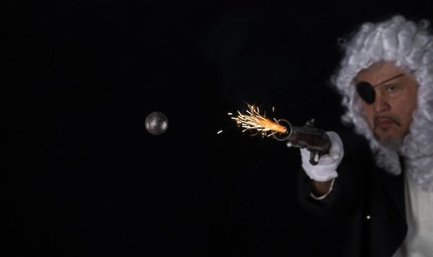 Fliegende brennende runde kugel antike kanonenkugel