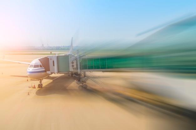 Flughafen-vorfeld flugsteig