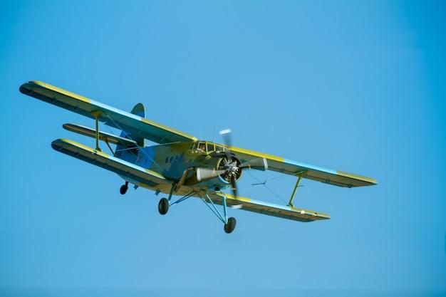 Flugzeug antonov an-2