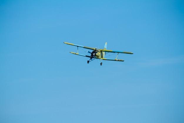 Flugzeug antonov hubschrauber