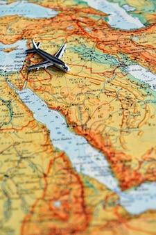 Flugzeug auf der arabischen halbinsel