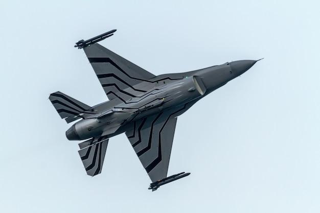 Flugzeuge f-16 belgische solo-anzeige