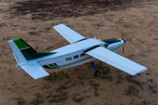 Flugzeugschaum für die funkfernsteuerung.