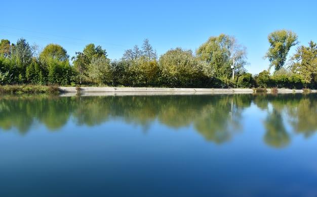 Fluss auf dem land