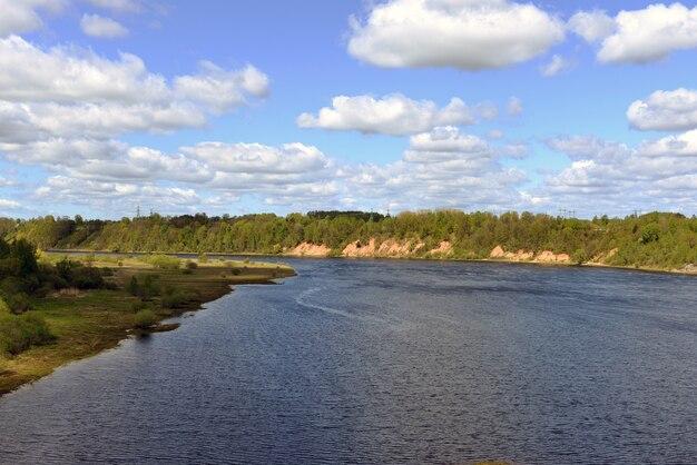 Fluss daugava nahe stadt aizkraukle, lettland