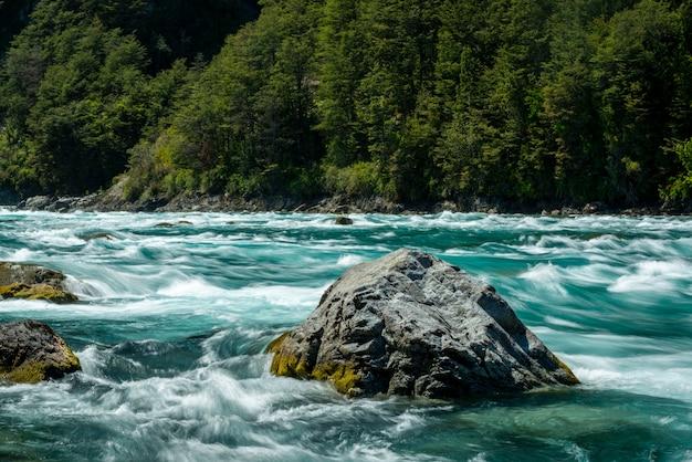 Fluss petrohue puerto varas llanquihue provinz los lagos chile chilenischen patagonien