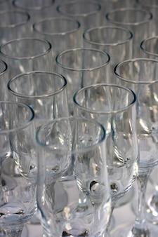 Flut, gläser