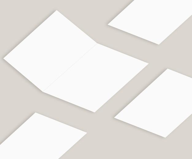 Flyer mockup mit deckblatt auf weißem hintergrund