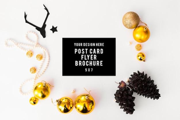 Flyer tagebuch postkarte weihnachten, tannenzweigen tannenzapfen kerze flach legen
