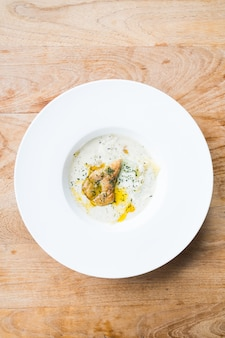 Foie gras mit penne-sahne-sauce