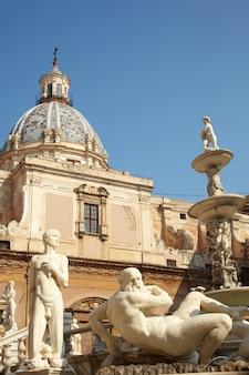 Fontana delle vergogne auf der piazza pretoria in palermo