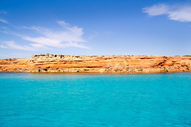 Formentera baleareninsel von der westküste des meeres