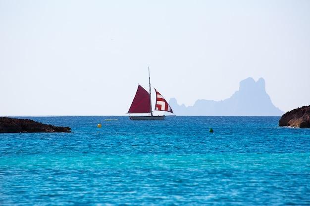 Formentera von illetes aus gesehen es vedra ibiza und segelboot