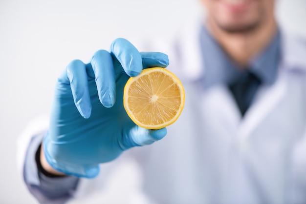 Forschung an natürlichen extrakten in laboratorien