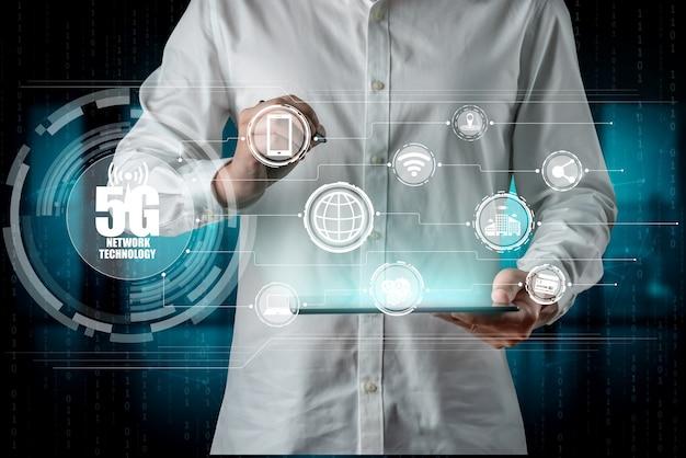 Fortschrittliche kommunikation und globale internet-netzwerkverbindung in smart city