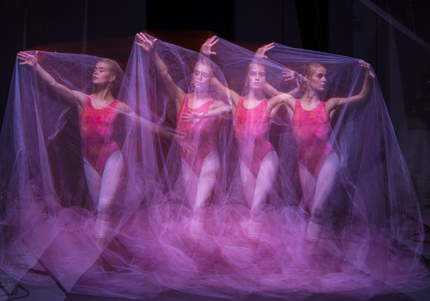 Foto als kunst - ein sinnlicher und emotionaler tanz der schönen ballerina durch den schleier
