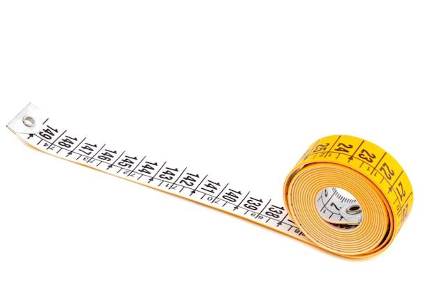 Foto eines messenden bands a über weißem hintergrund