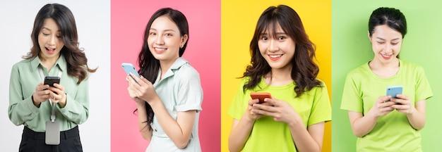 Fotocollage fröhlicher asiatischer jugendlicher Premium Fotos