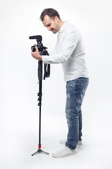 Fotograf des jungen mannes