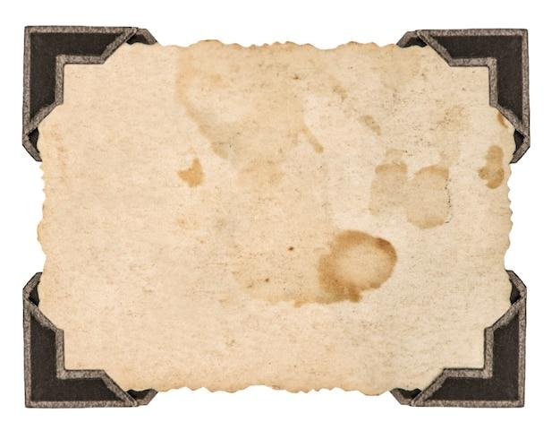 Fotokarte mit ecke isoliert auf weißem hintergrund. bilderrahmen aus papier